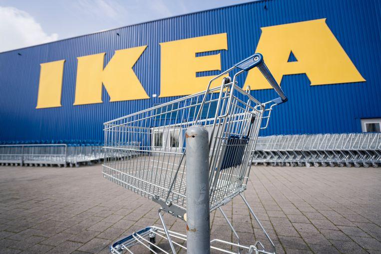 Gaan shoppen is de komende weken uit den boze. Om zowel bezoekers als medewerkers te beschermen, sluiten almaar meer winkels daarom vrijwillig de deuren.