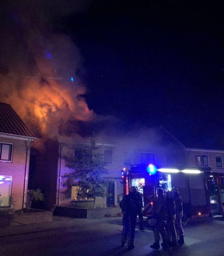 Twee huizen onbewoonbaar na zolderbrand in Oldenzaal