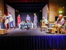 Drukke Achtse Revue brengt 'Scheidziek'
