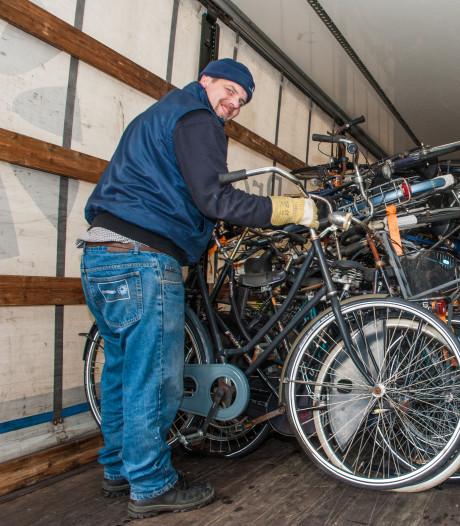 Ruim 700 weesfietsen zonder pardon verwijderd bij station Gouda