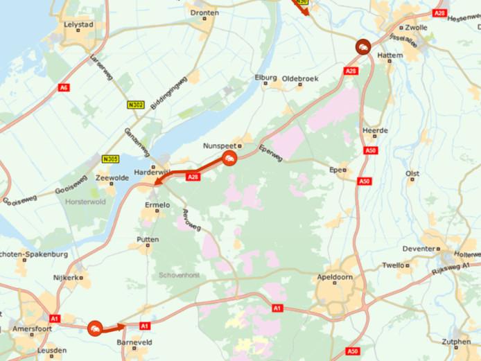 Tussen Elspeet en Ermelo staat het verkeer stil.