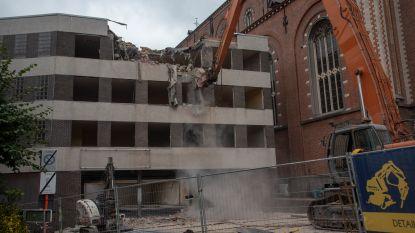 Afbraak appartementen De Vos nu echt begonnen