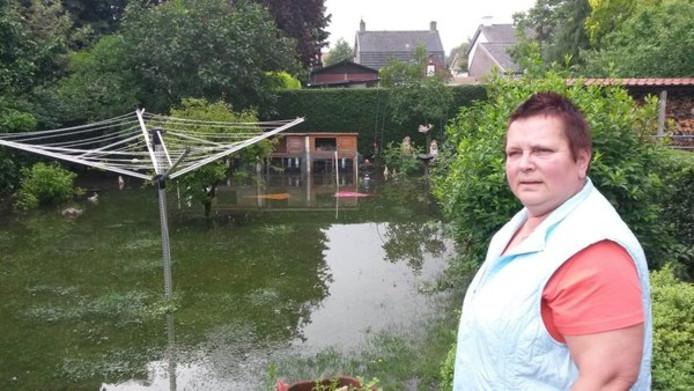 Jose Slegers is de regelmatig terugkerende wateroverlast meer dan zat.