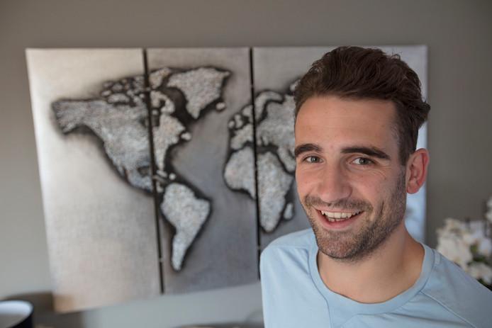 Valkenswaard-voetballer Martijn Bax thuis in Leende