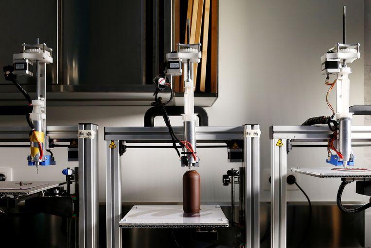Het gaat om bedrijven die digitale oplossingen bedenken om de productie in de maakindustrie te verbeteren. Denk dan aan artificiële intelligentie, 3D-printing en robotica.