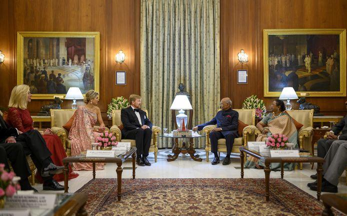 Koning Willem-Alexander en koningin Maxima hebben een ontmoeting met president Ram Nath Kovind. Het koningspaar brengt een vijfdaags staatsbezoek aan India.