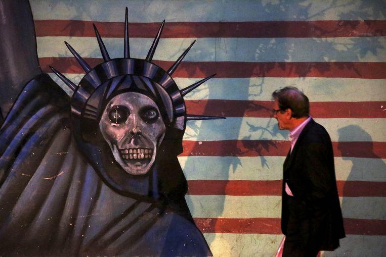 Muurschildering bij de voormalige ambassade. Beeld ap
