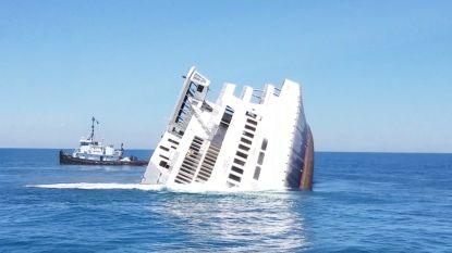 Grote ferry met opzet tot zinken gebracht