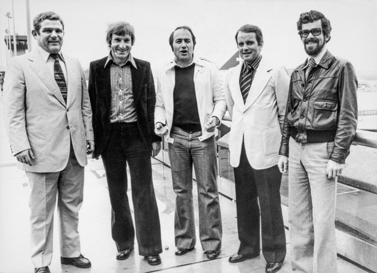 Eentje uit de oude doos: Hüssy (links) met Blatter (centraal) en nog enkele andere Zwitserse vrienden in 1977 op FIFA-opdracht in Afrika.