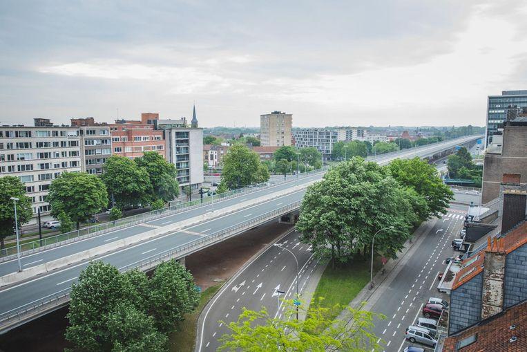 Het stadsbestuur wil na de zomer een plan hebben over de toekomst van het B401-viaduct.