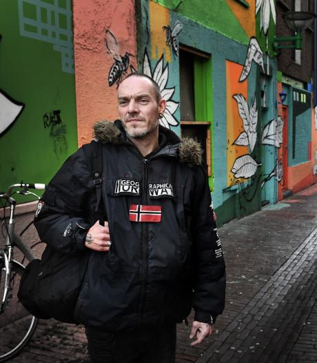 Het 'kutleven' van zwerver Frans (42) in Nijmegen: 'Ik ben bespuugd, beschoten en overgoten met cola'