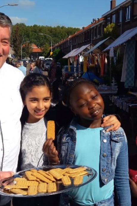 Heel-Holland-bakker verrast Dordts buurtfeest