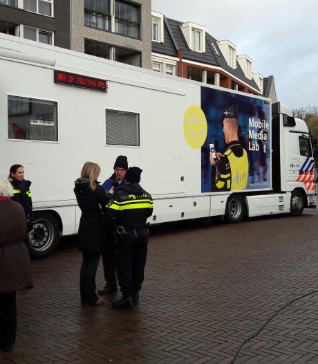 Mobiele Eenheid, brandweer en Medialab bij open dag politie Rhenen