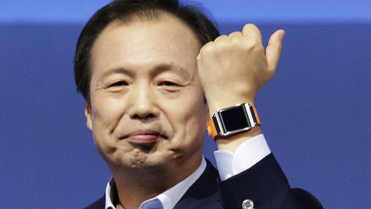 Samsung-topman Shin Jong-kyun presenteert de Samsung Galaxy Gear smartwatch. Beeld reuters