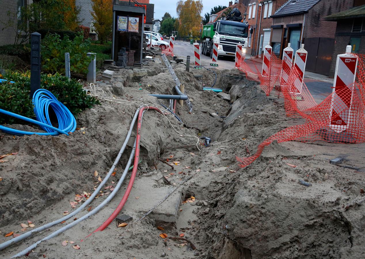 Reconstructie Julianastraat bij dorpshuis 't Heike.