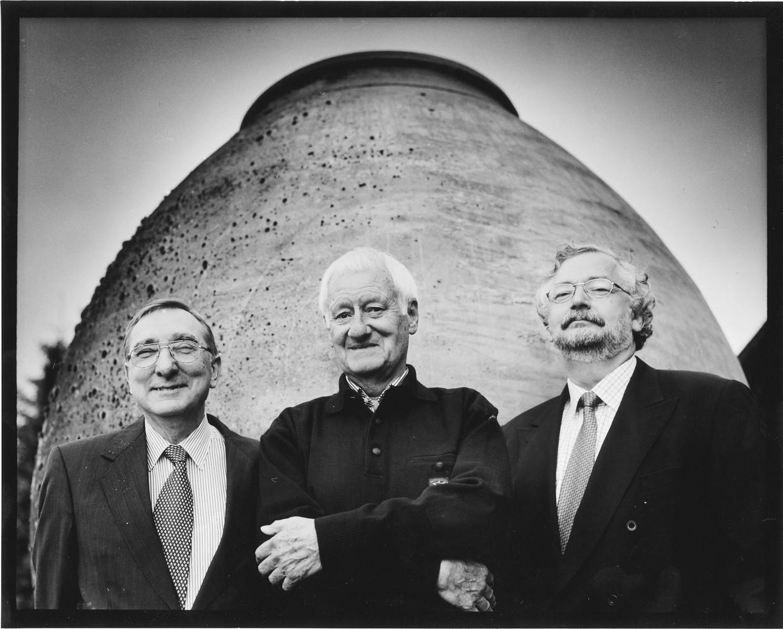 Leo Marynissen (l., journalist), Manu Ruys (m., journalist) en Rik Van Cauwelaert (r., hoofdredacteur 'Knack').