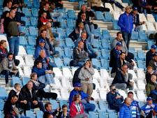 Eindelijk weer in het stadion bij PEC, maar supporters missen bier en plezier: 'Ik wil springen en gek doen'