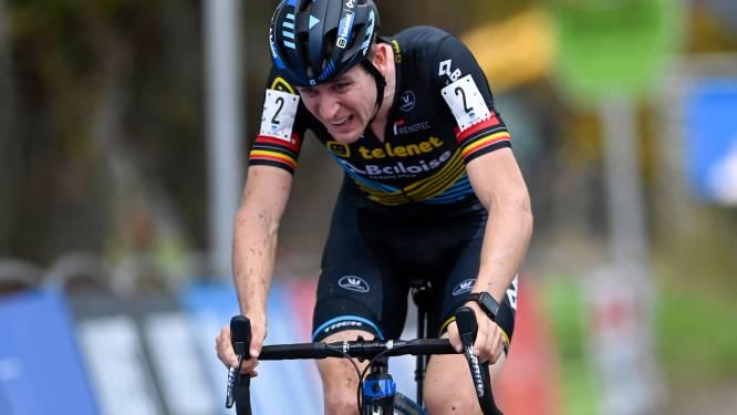 """Aerts bokst in z'n eentje op tegen heel team van Pauwels Sauzen-Bingoal: """"Ik word hier een betere coureur van"""""""