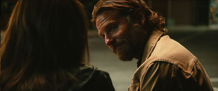 Bradley Cooper als muzikant in A Star is Born. Beeld Warner Bros