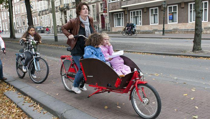 Onder meer voor de bakfiets wordt meer ruimte gemaakt in negen Rotterdamse wijken.