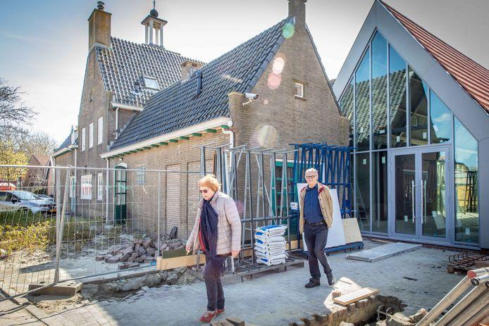 Wil Nelisse en Piet van Dijke kunnen niet wachten tot de verbouwing van streekmuseum De Meestoof écht klaar is. Vooral aan de binnenkant moet nog een hoop gebeuren. Van het afwerken van de muren, tot het plaatsen van een keuken.