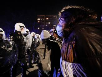 LIVE. Politie controleert identiteit betogers op Luikse brug - Premier Kroatië in quarantaine