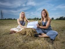 Eline en Henrieke bouwen mobiele tiny houses van leem en stro: 'Materialen kosten in totaal 25.000 euro'
