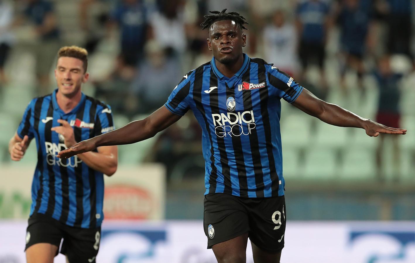 Duván Zapata scoorde twee keer namens Atalanta, maar zijn ploeg verloor wel.