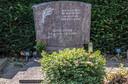 Het graf van Eddie Otten op het kerkhof bij de NH kerk in Groesbeek.