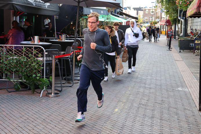 Ondanks dat de marathon is afgelast, kunnen zondag lopers alsnog een beetje die beleving en sfeer ervaren.