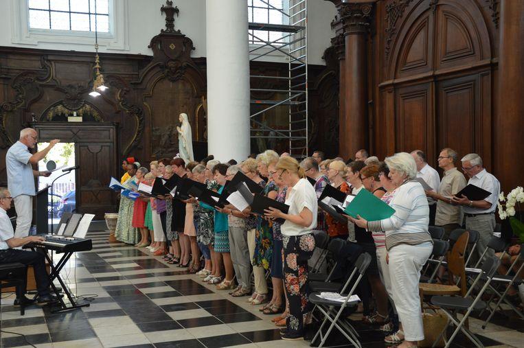 De Sint-Corneliusparochie van groot-Ninove sluit het werkjaar af.