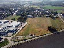 Weg en bedrijf over Peelrandbreuk in Liessel