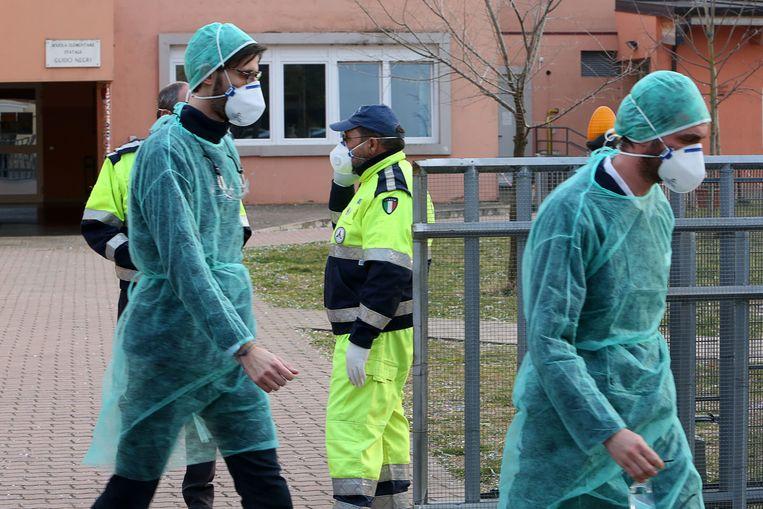 Gezondheidsmedewerkers in Vo eind februari.