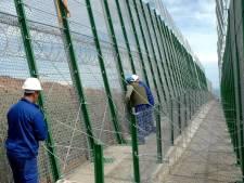 Une centaine de clandestins africains franchissent la frontière espagnole à Melilla