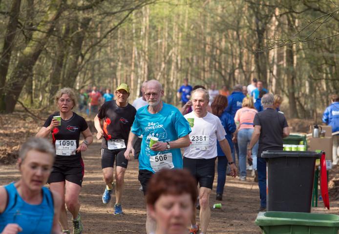 NK Veldloop voor Ambtenaren in de Stiphoutse bossen bij Helmond in 2014.