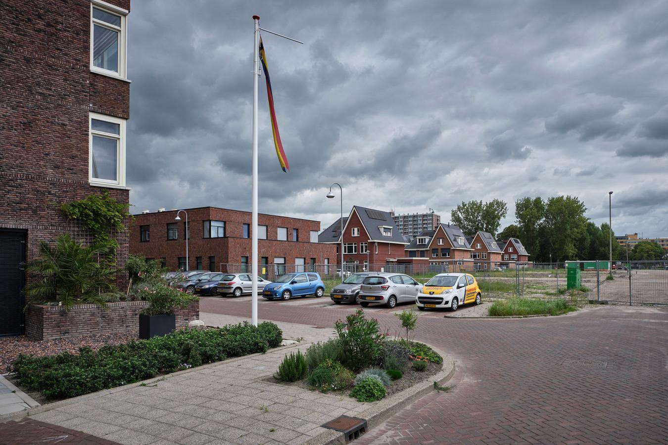 Medisch Centrum Hoog Lede (midden) ligt in de Vlaardingse nieuwbouwwijk Park Hooglede.