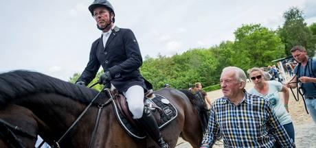 Bernard Schröder (83) trots: 'De jongens hebben er wat moois van gemaakt, of niet?'