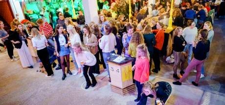Mooie Boules komt naar Breda: jeu de boules-foodhall bij station