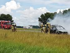 Auto in brand op A28 bij Ermelo, ruim een uur vertraging