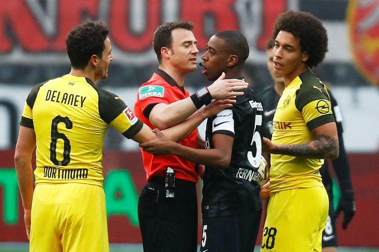 Felix Zwayer vorig seizoen tijdens het Bundesliga-duel tussen Dortmund en Frankfurt.