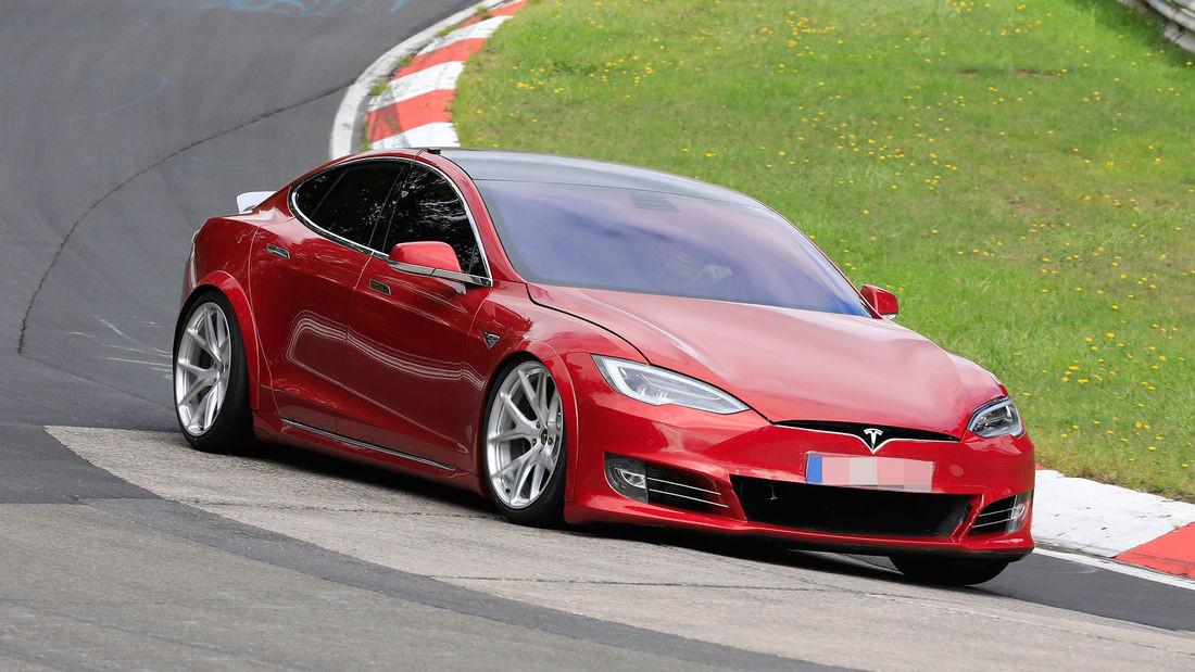 Tesla Model S 100 D+'.