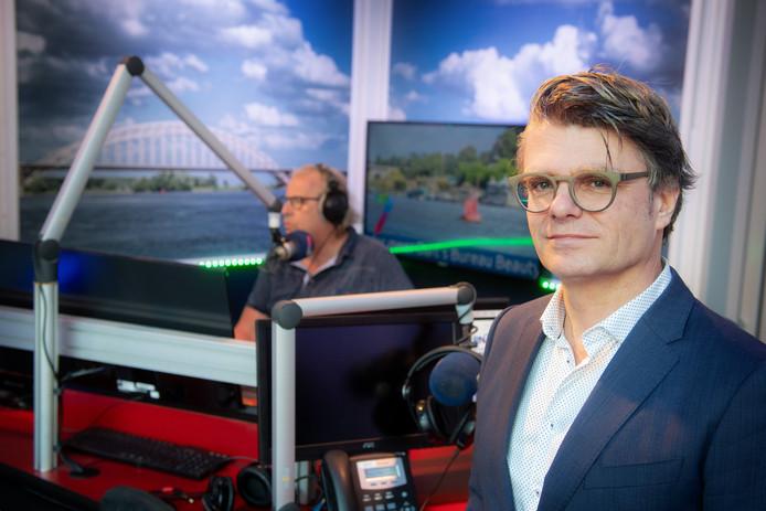 RN7-directeur Raymond Janssen in de studio in Nijmegen.