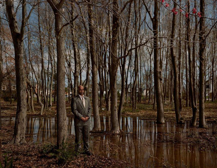 Troy Webb. Hij heeft in dit bos géén moord gepleegd, maar werd er wel voor veroordeeld. Fotografe Taryn Simon wil maar zeggen: vertrouw nooit een foto. Beeld Taryn Simon