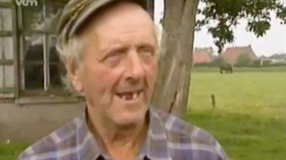 """De Jambers-reportage die boer Charel beroemd maakte: """"Die spinnenwebben hangen hier al dertig jaar"""""""