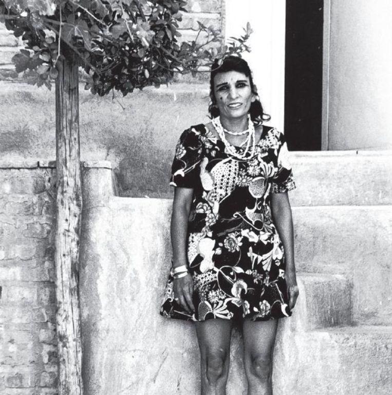 Kaveh Golestan fotografeerde van 1975 tot 1977 de prostituees in Sjahr-e No, in die tijd de rosse buurt van Teheran. Beeld Kaveh Golestan