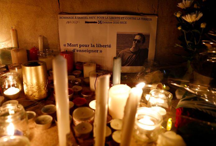 Een eerbetoon in Nice aan de vermoorde leraar Samuel Paty.