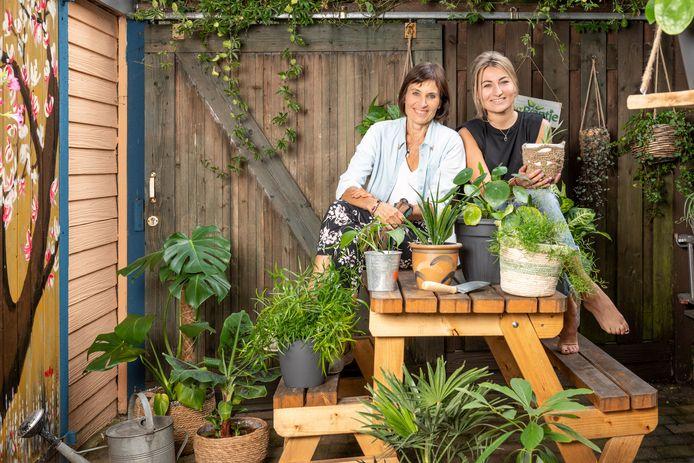 Nelly en Rowie Mastenbroek zijn in Zaltbommel een plantenasiel begonnen.