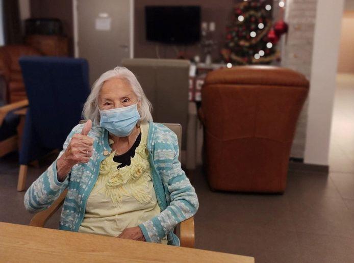 Cyrilla was in haar nopjes nadat ze het vaccin kreeg toegediend.