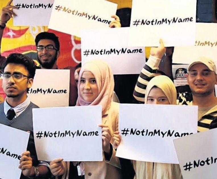 Jonge moslims maken via Twitter duidelijk dat ze niks met de gruweldaden van Islamitische Staat te maken willen hebben. Beeld Twitter