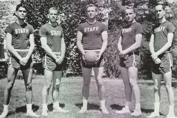 Donald Trump (m.) als sportieve high school senior in 1964 in de New York Military Academy.